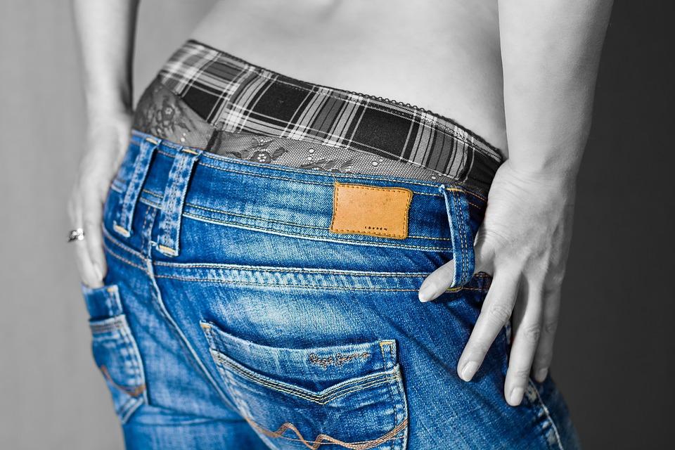 ג'ינס בהזמנה אישית בבית אופנה מתקדם
