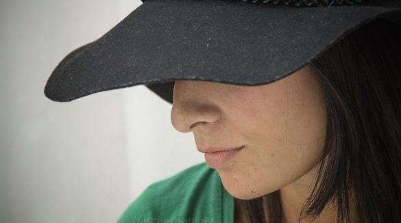 אישה, גודמנית, כובע