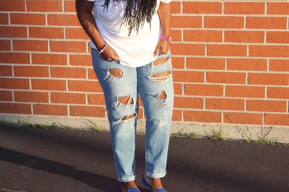 ג'ינס קרוע